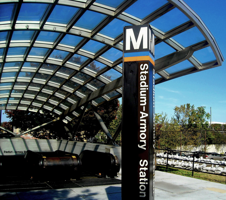 File Stadium-Armory Metro entrance.jpg - Wikimedia Commons 550c0244bc7ff
