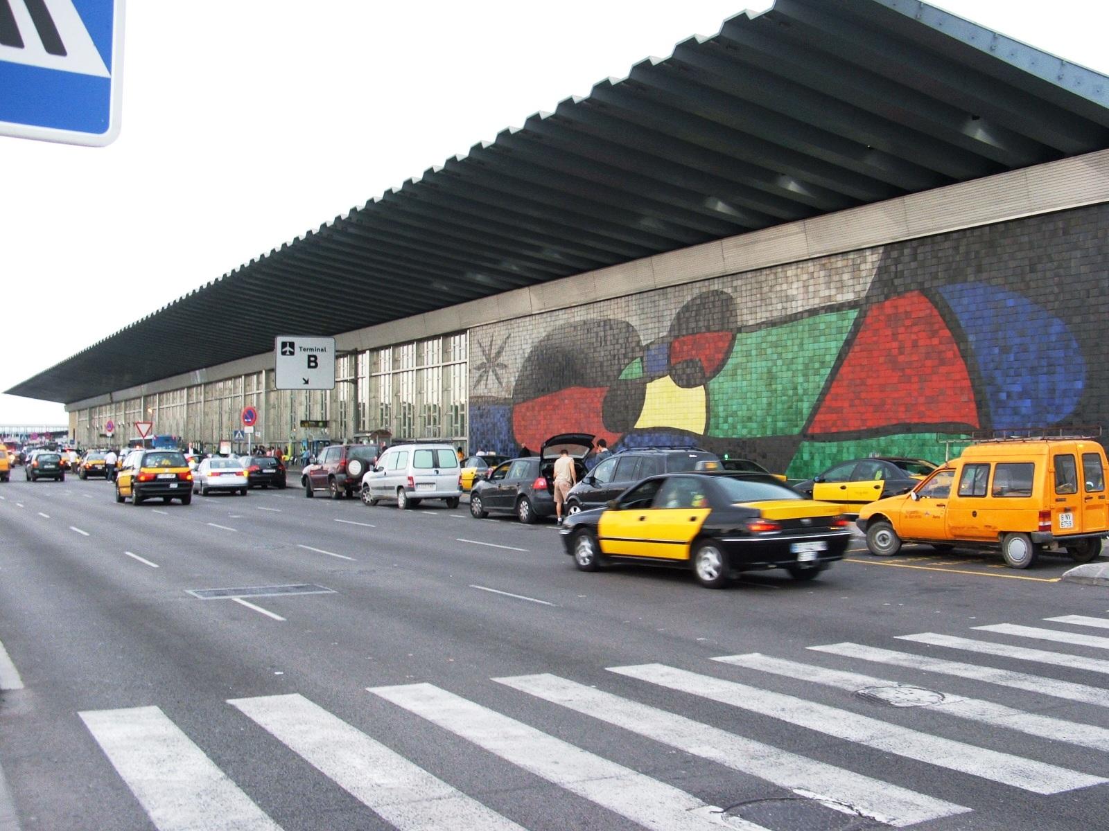 Barcelona airport, Terminal B