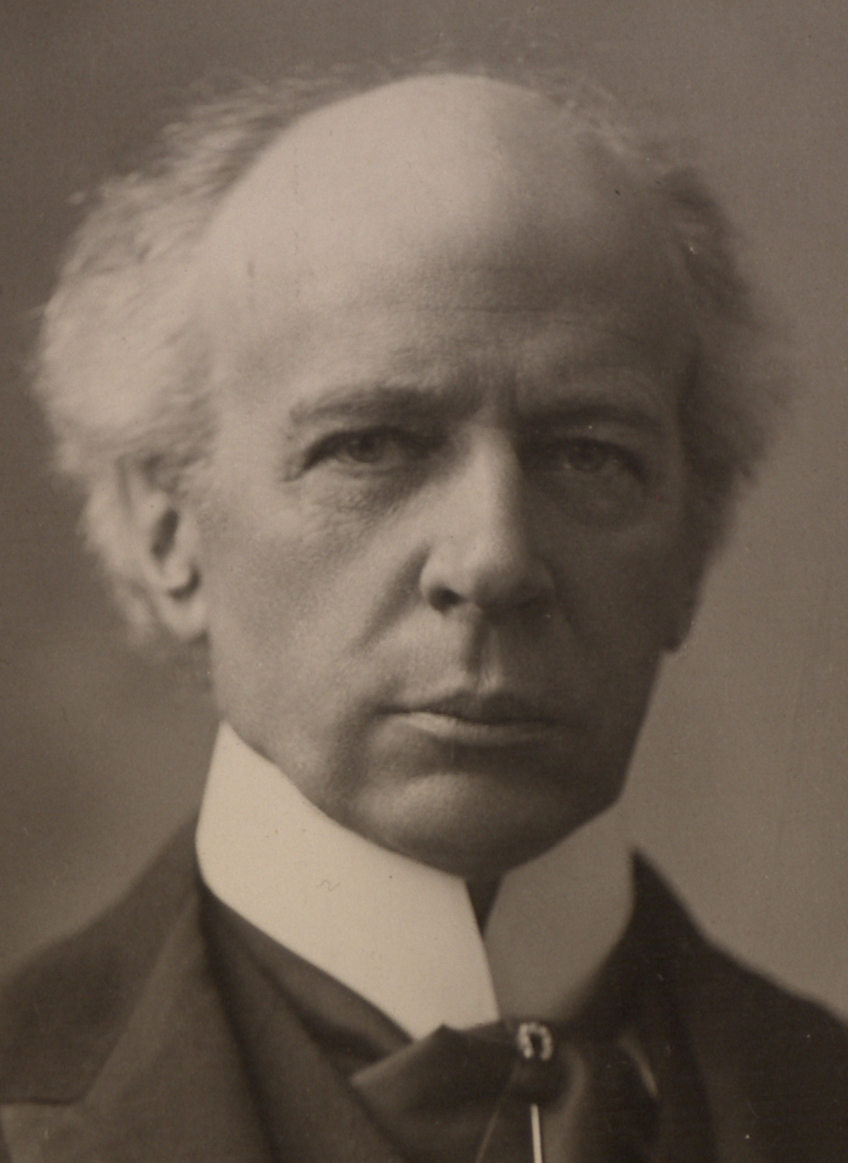essay on sir wilfrid laurier Wilfrid laurier was born in st lin, quebec in 1841, the son of a farmer after a few years at the local elementary school, laurier was sent new glasgow, a nearby town, to learn english he spent seven years at a roman catholic college, and then studied law at mcgill university.