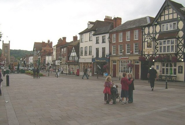 Town Plaza, Henley On Thames - geograph.org.uk - 1471101