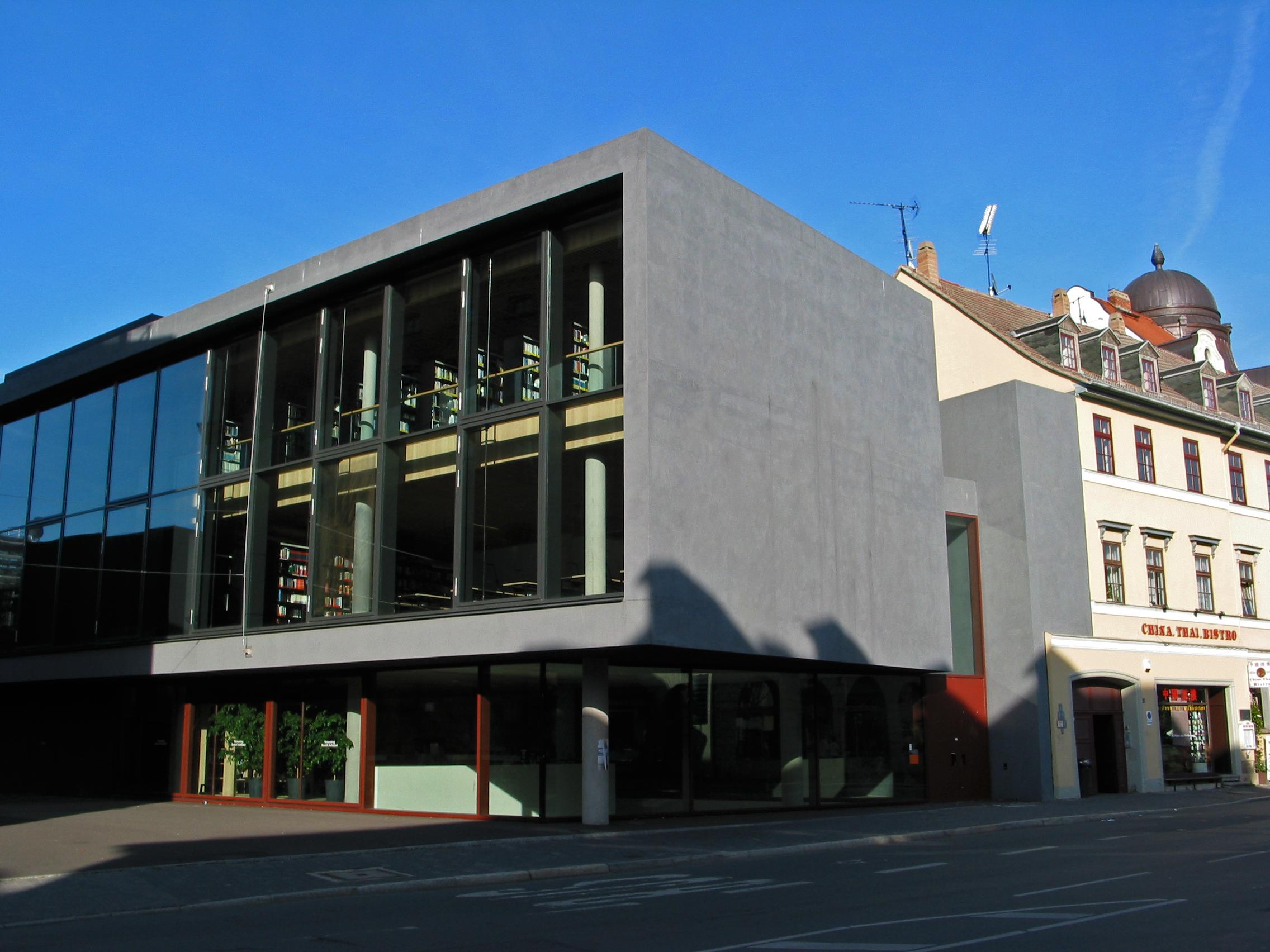 File Universitatsbibliothek Audimax Der Bauhaus