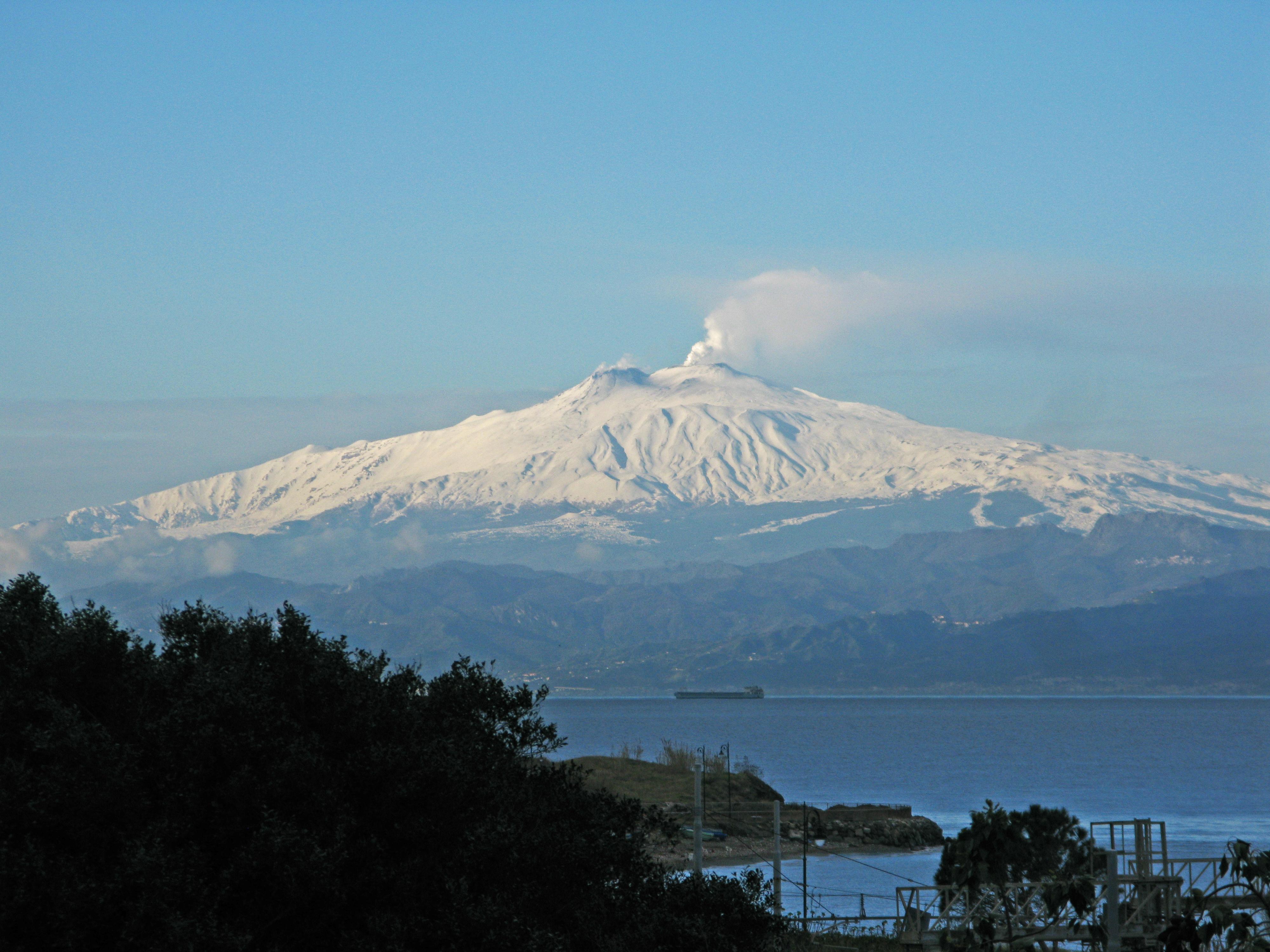 Resultado de imagen para volcán Etna