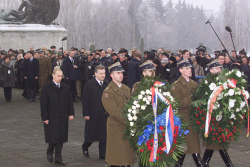 File:Vladimir Putin in Poland 16-17 January 2002-13.jpg