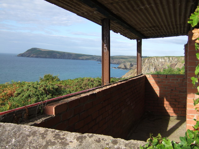 Wartime observation post on Pembrokeshire coast - geograph.org.uk - 212941