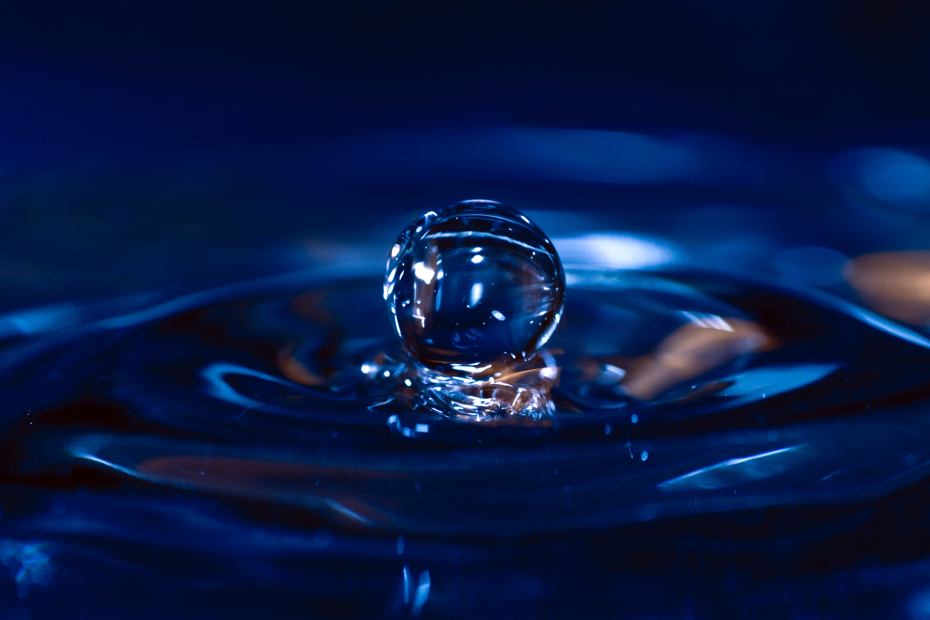 File water drop wikimedia commons for H2o wikipedia
