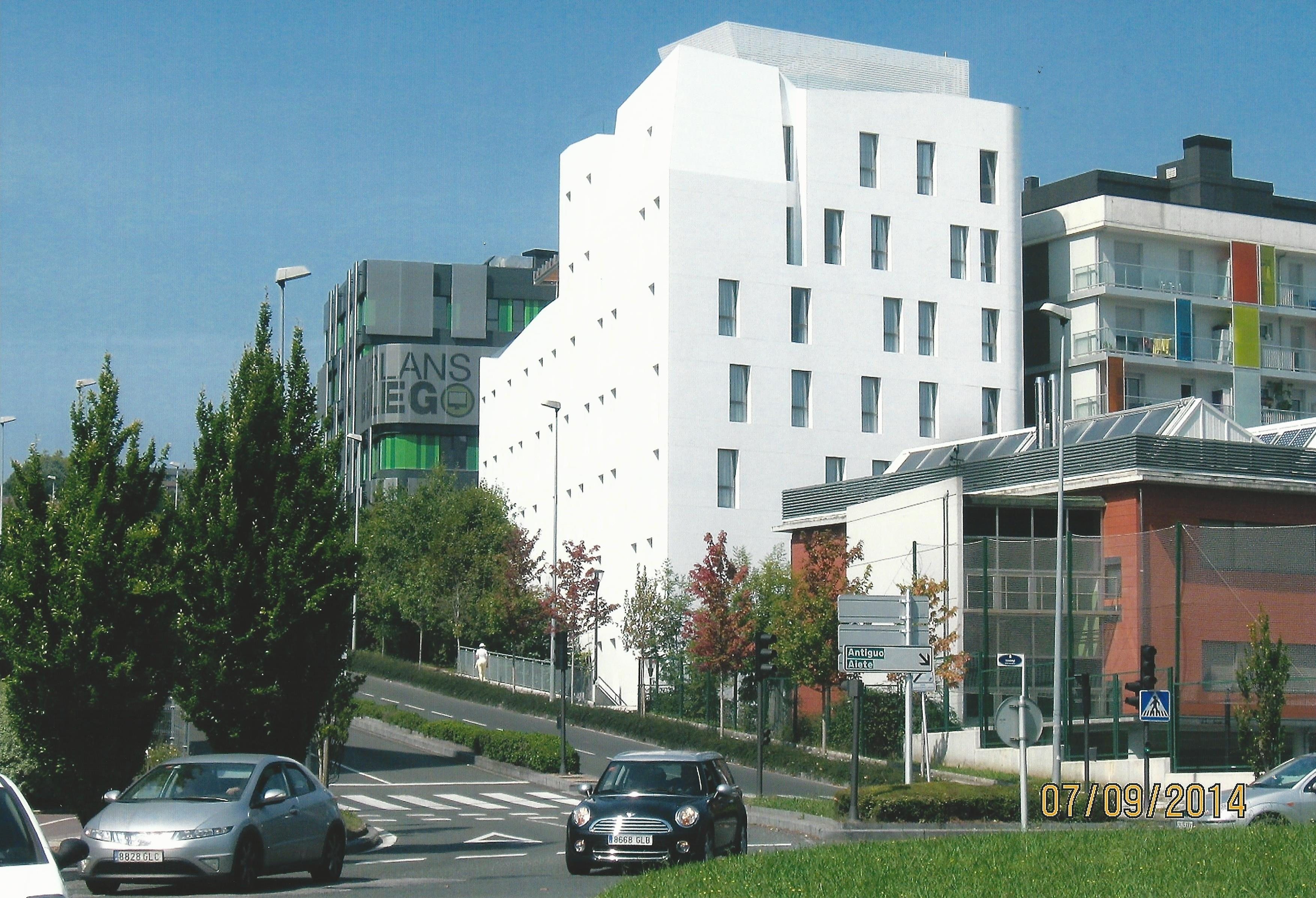 File:Zenit San Sebastian hotela - Hotel Zenit San Sebastian  (23320678365).jpg - Wikimedia Commons