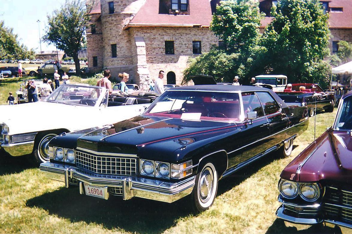 File 1974 Cadillac Sedan Deville Fvl Jpg Wikimedia Commons