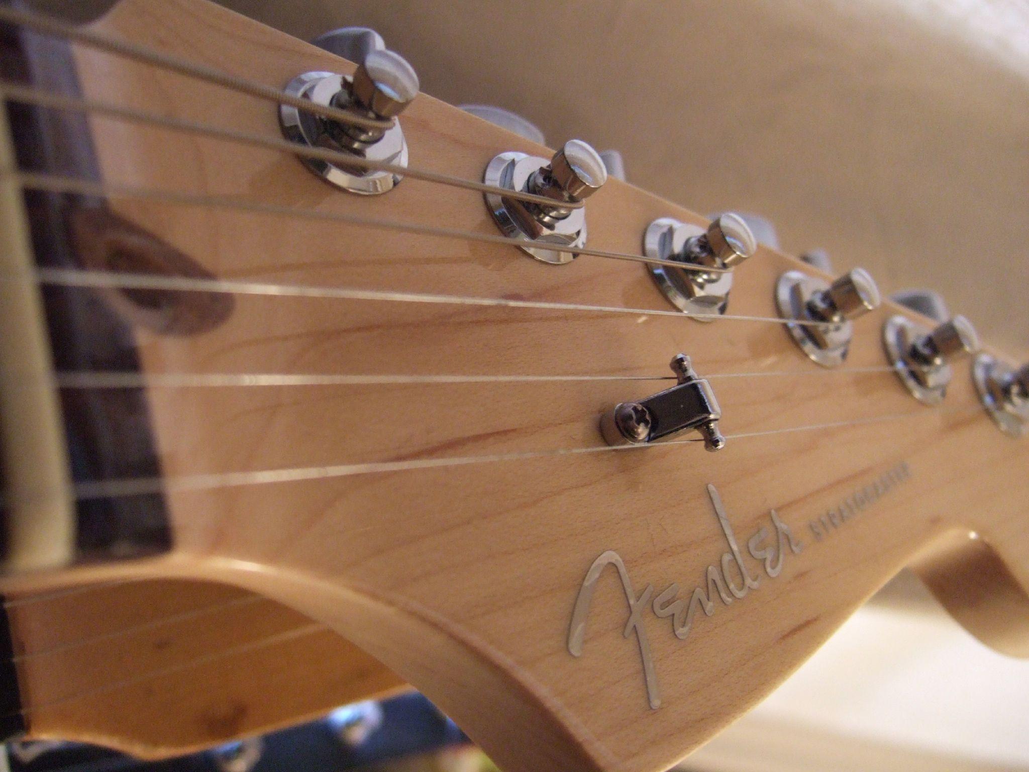 File 2005 Fender American Deluxe Ash Stratocaster Sn