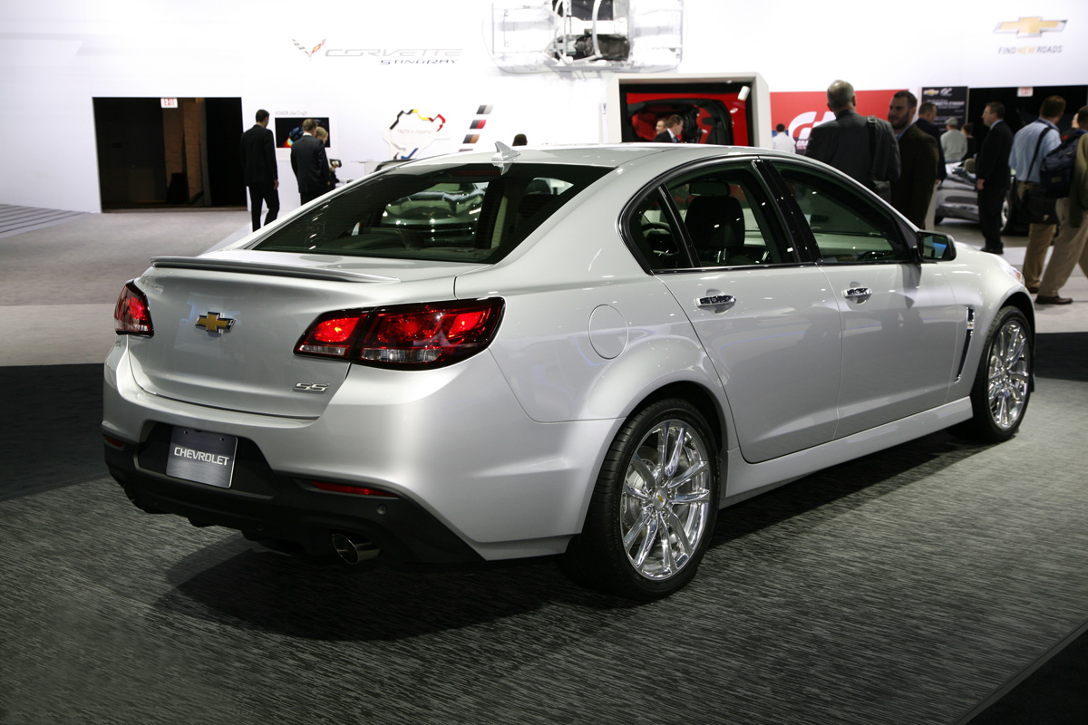File 2014 Chevrolet Ss Rear Png Wikimedia Commons