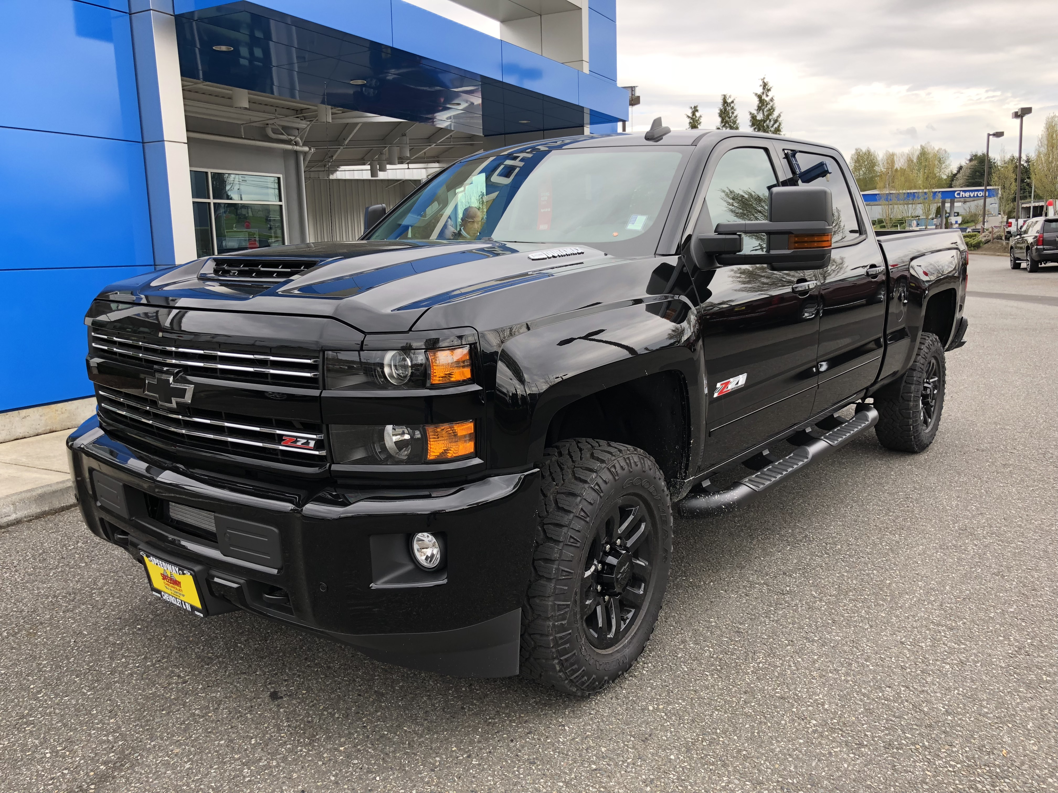Chevy Midnight Edition >> 2018 Chevrolet Silverado Midnight Edition