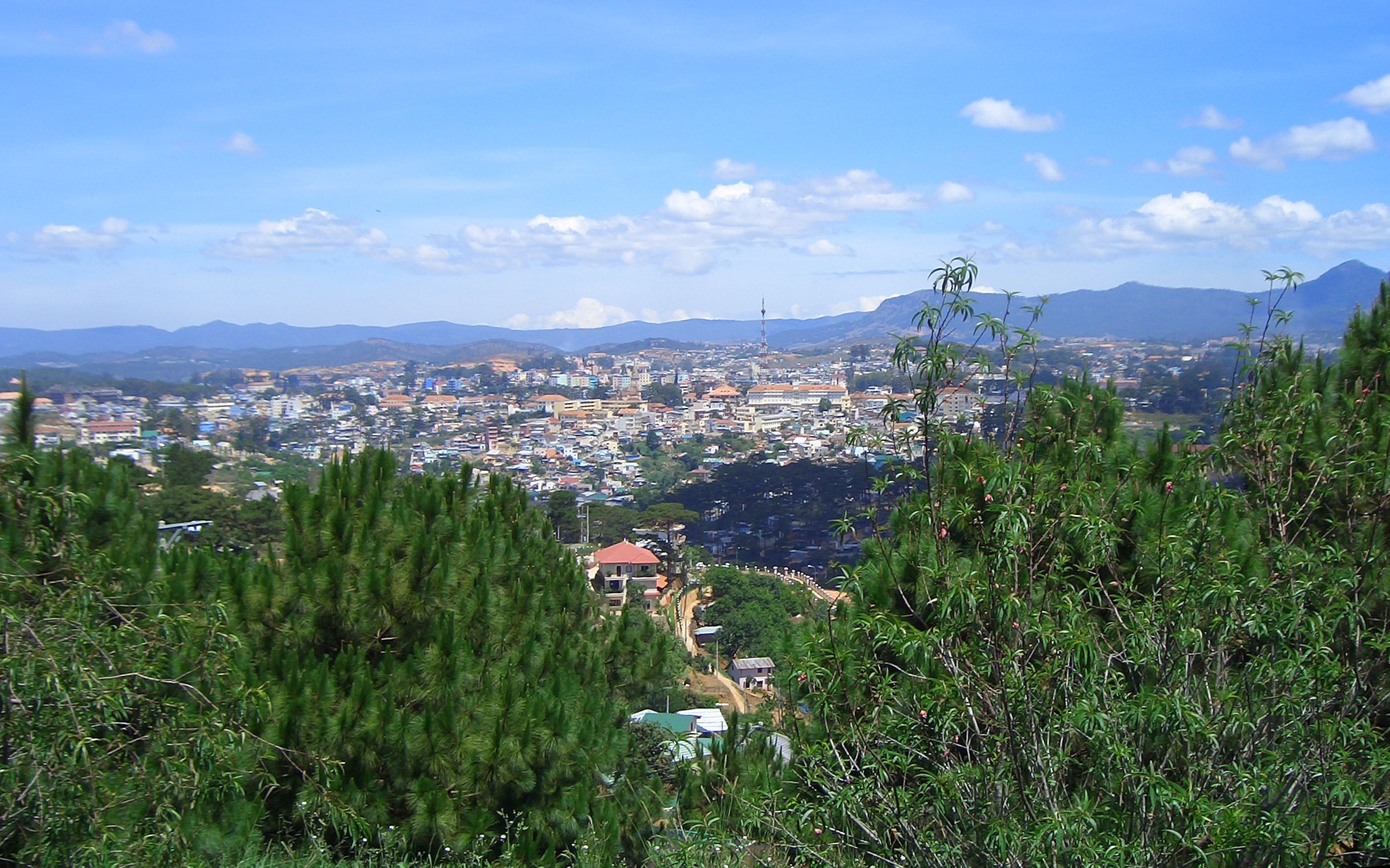 Dalat Vietnam  city photo : 475 Vietnam Aussicht auf Dalat Wikipedia, the free ...