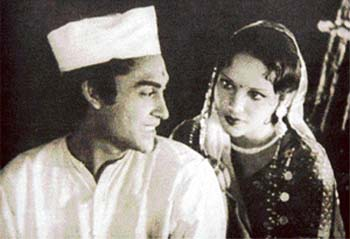 Still of Ashok Kumar and Devika Rani in Acchut Kanya