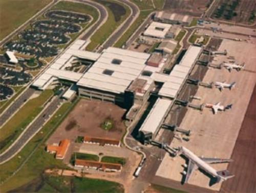 Sân bay quốc tế Afonso Pena