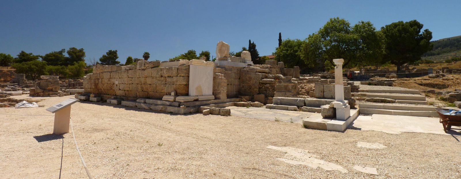 ancient corinth essay Present and past cultures have many similarities one similarity comes to mind that stands above them all i'm referring to the comparison of today's stock market to the exchange of goods within the ancient cities of greece, in particular, the city of corinth.