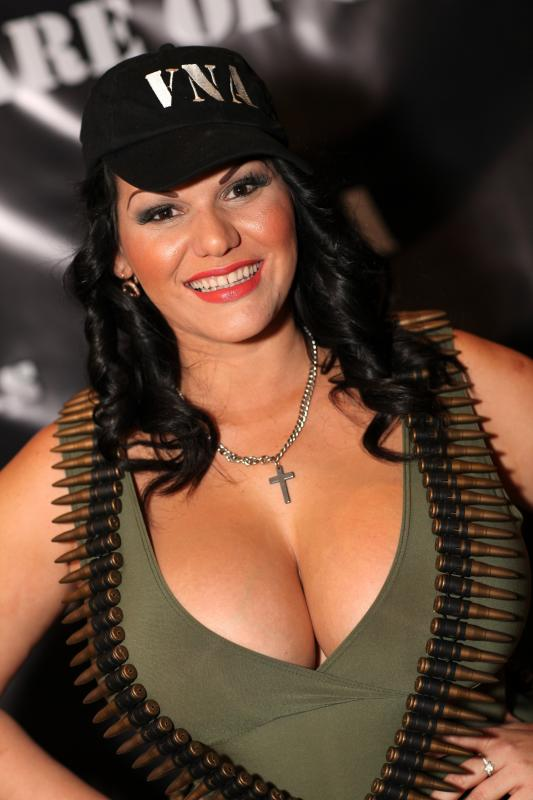 Angelina castro breast reduction