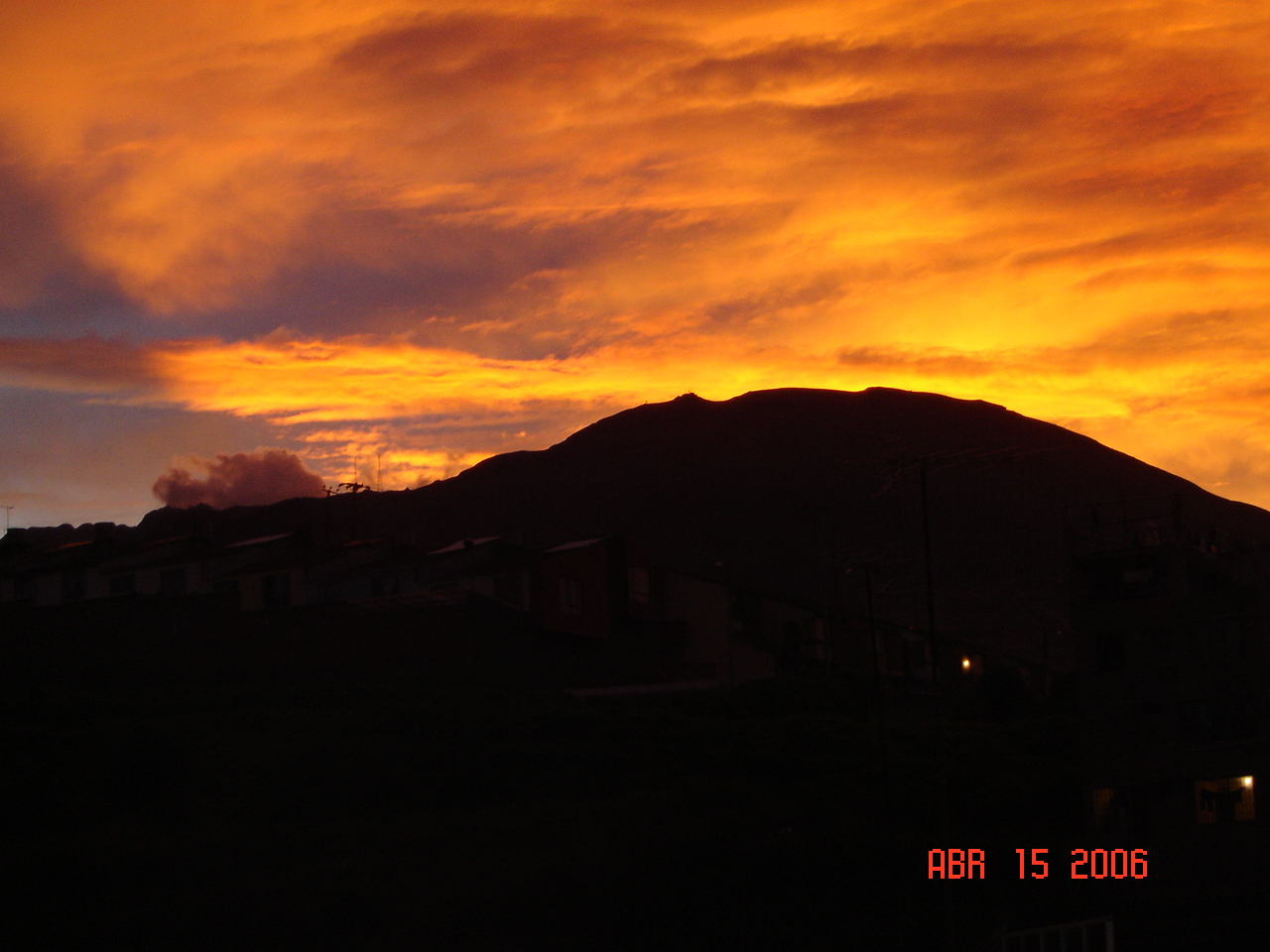 Descrizione Atardecer Volcan Galeras.JPG
