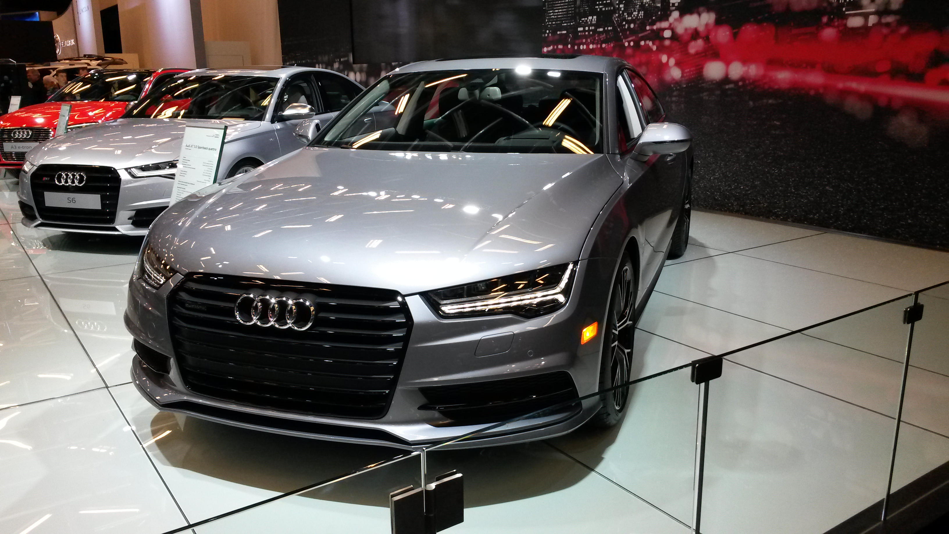 file audi a7 quattro in salon international de l auto de montr al wikimedia commons. Black Bedroom Furniture Sets. Home Design Ideas