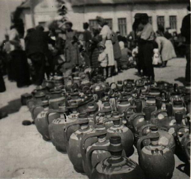 File:BASA-2072K-1-352-11-Pottery in Bulgaria.JPG