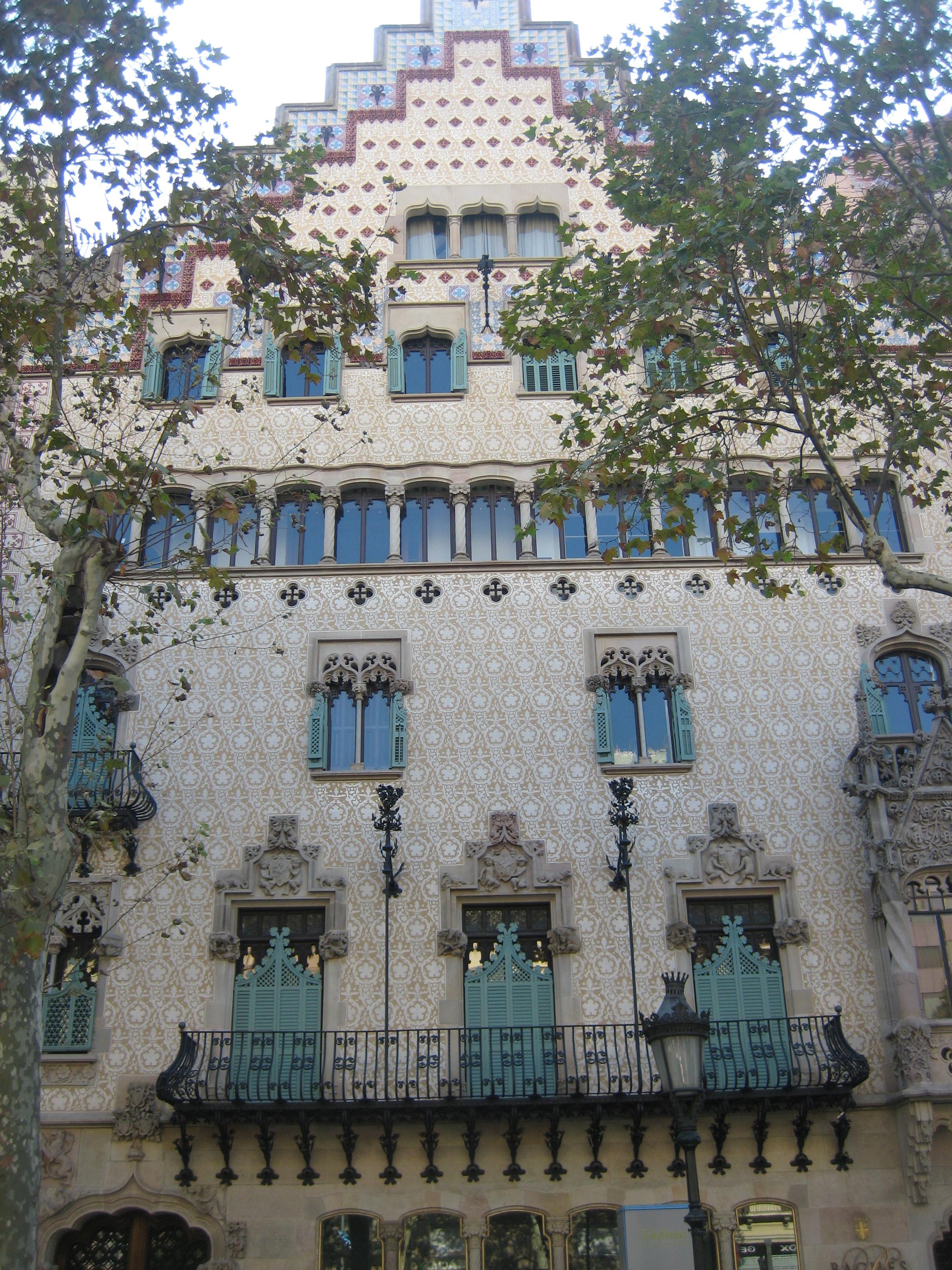 File:Barcelona, Casa.Amatller.jpg