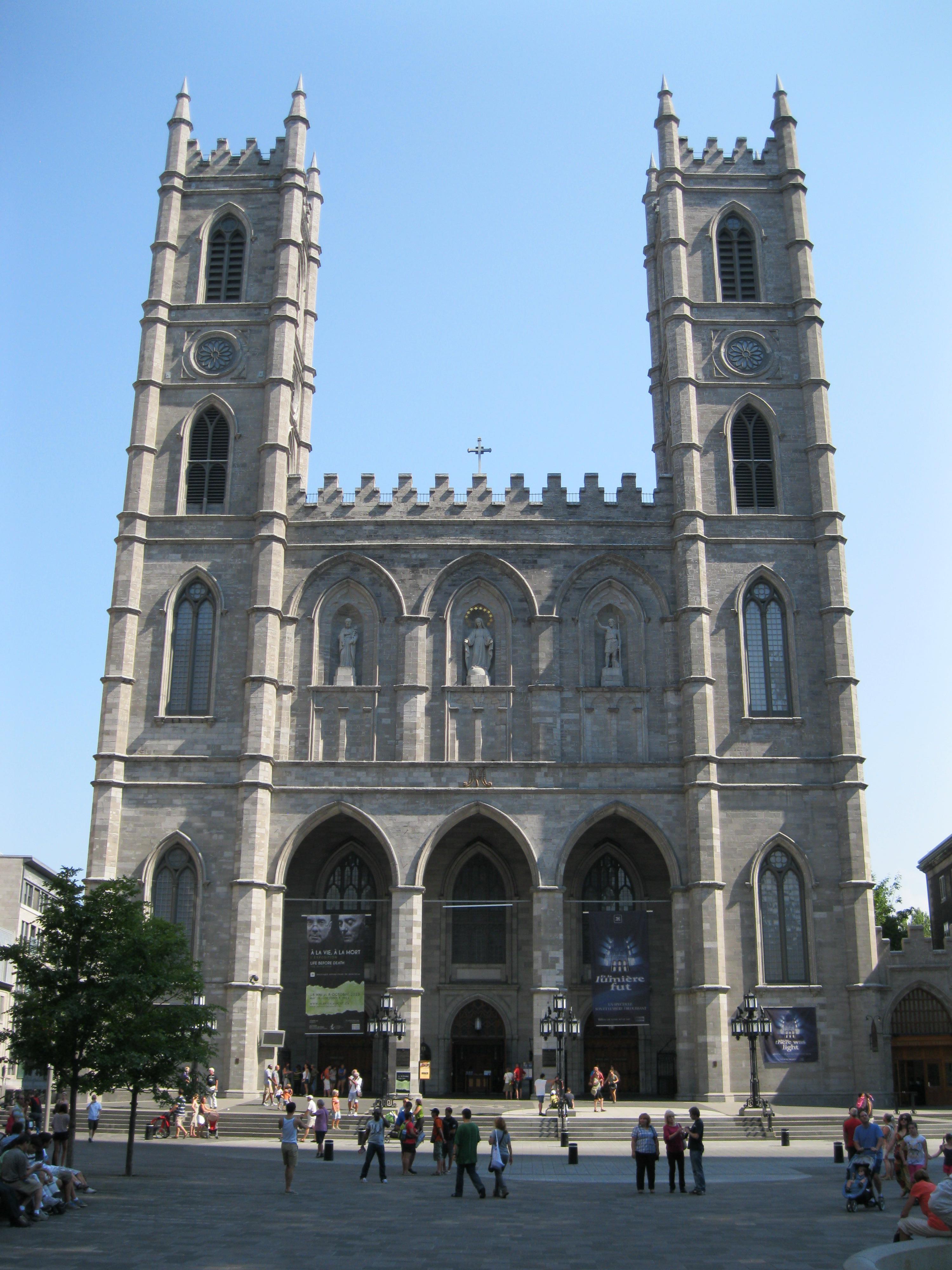 Notre Dame De Paris Phoebus Destination Ville