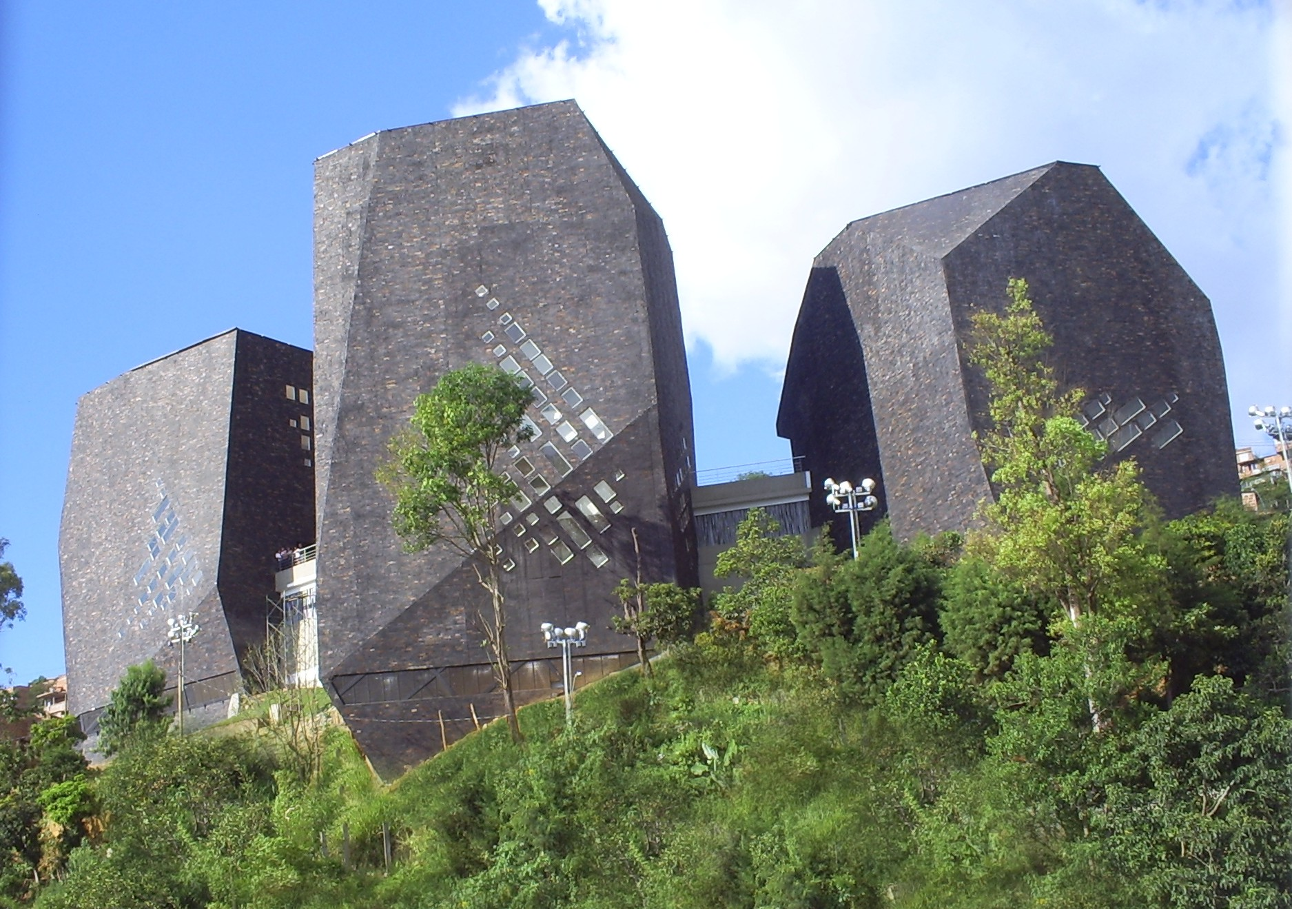 Biblioteca De Espana Medellin Wikipedia
