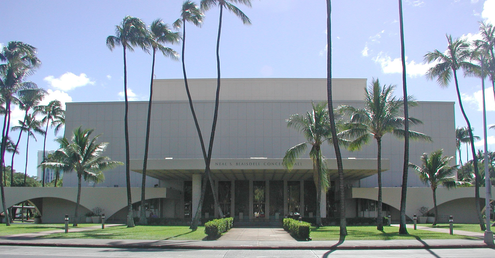 neal s  blaisdell center