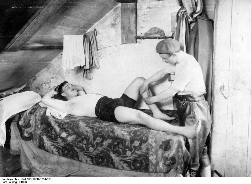 c date wikipedia erotische massage steglitz
