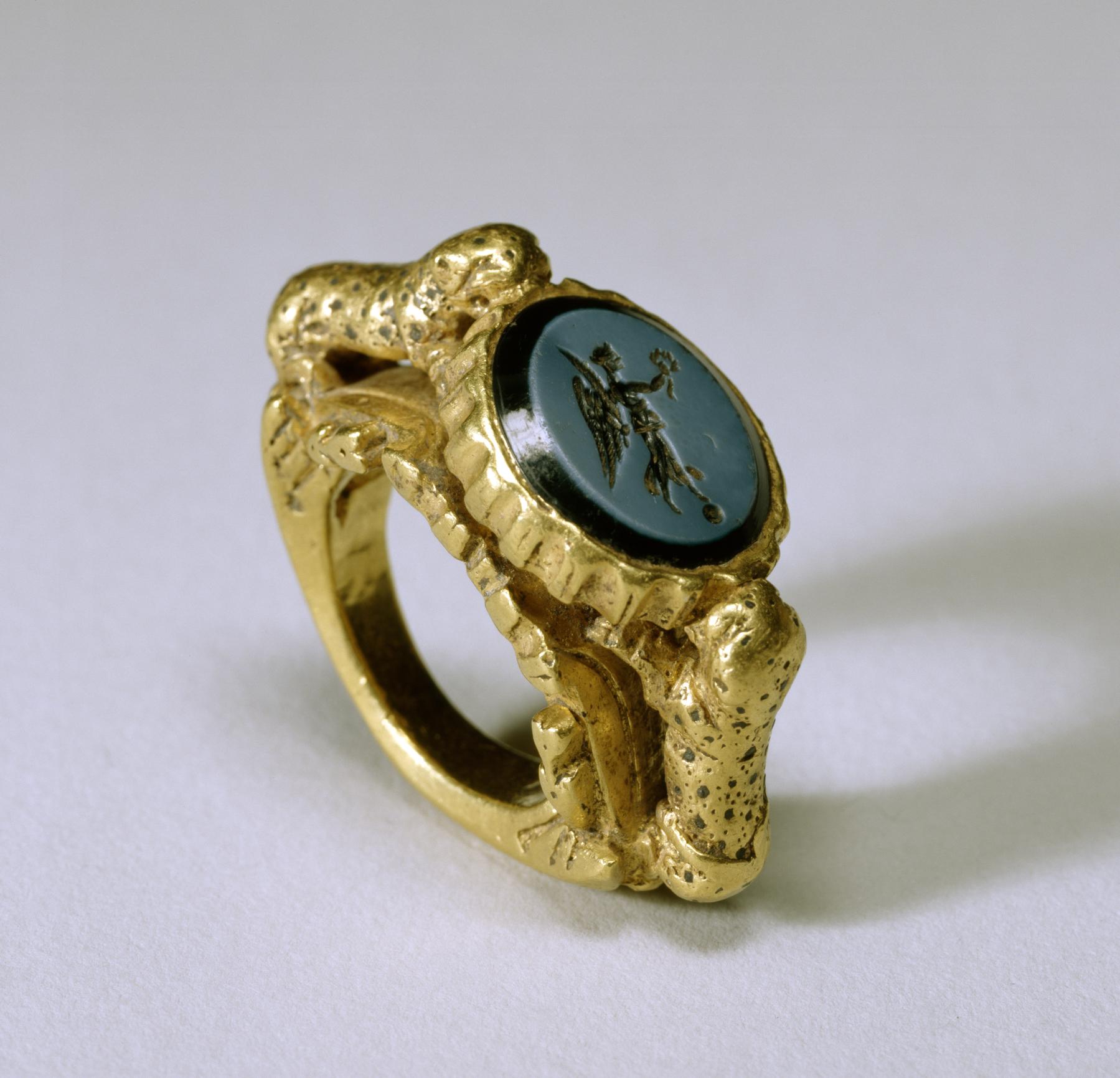 E Onyx Ring
