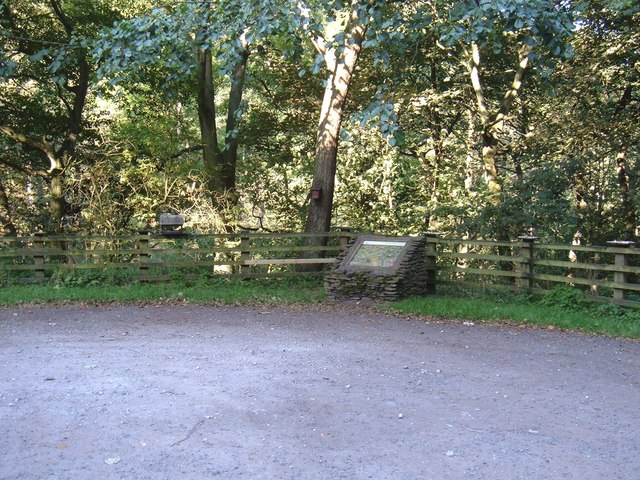 Car Park for Scarwell Wood Walk - geograph.org.uk - 1506282