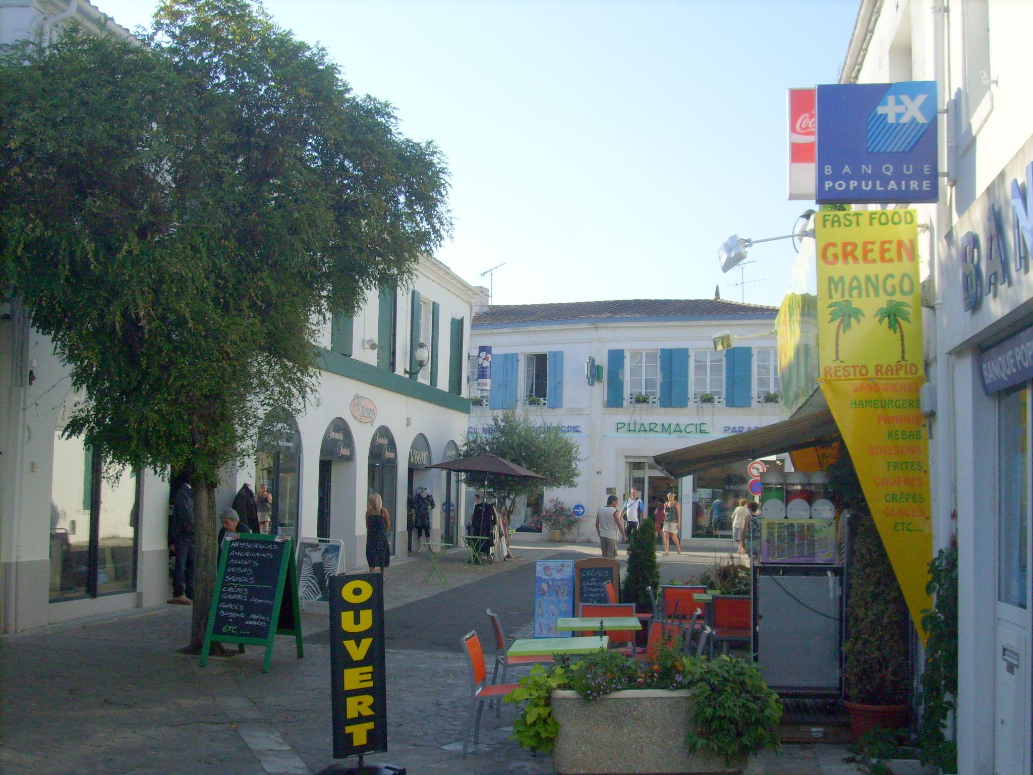 File centre ville de saint pierre d 39 ol wikimedia - Office du tourisme st pierre d oleron ...
