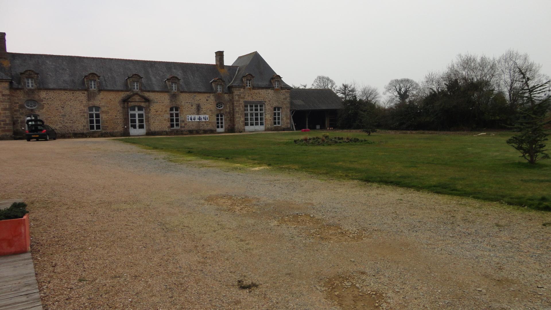Fichier Chateau du Bois Guy, dépendances JPG u2014 Wikipédia # Chateau Du Bois Guy