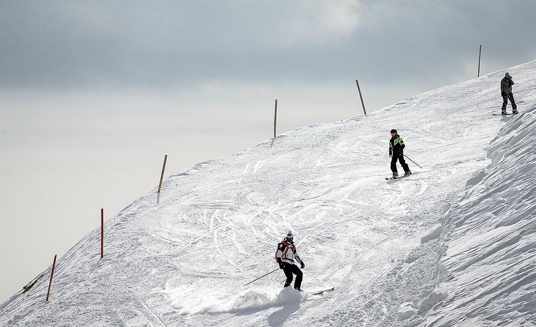 پیست اسکی دربند سر دربندسر یکی از پیستهای اسکی فعال تهران است که در نزدیکی مجموعه های زمستانی دیزین و شمشک قرار دارد. دربندسر یکی از مجهزترین پیستهای اسکی کشور و تنها پیست دارای دستگاه برف ساز و پیست شب است.