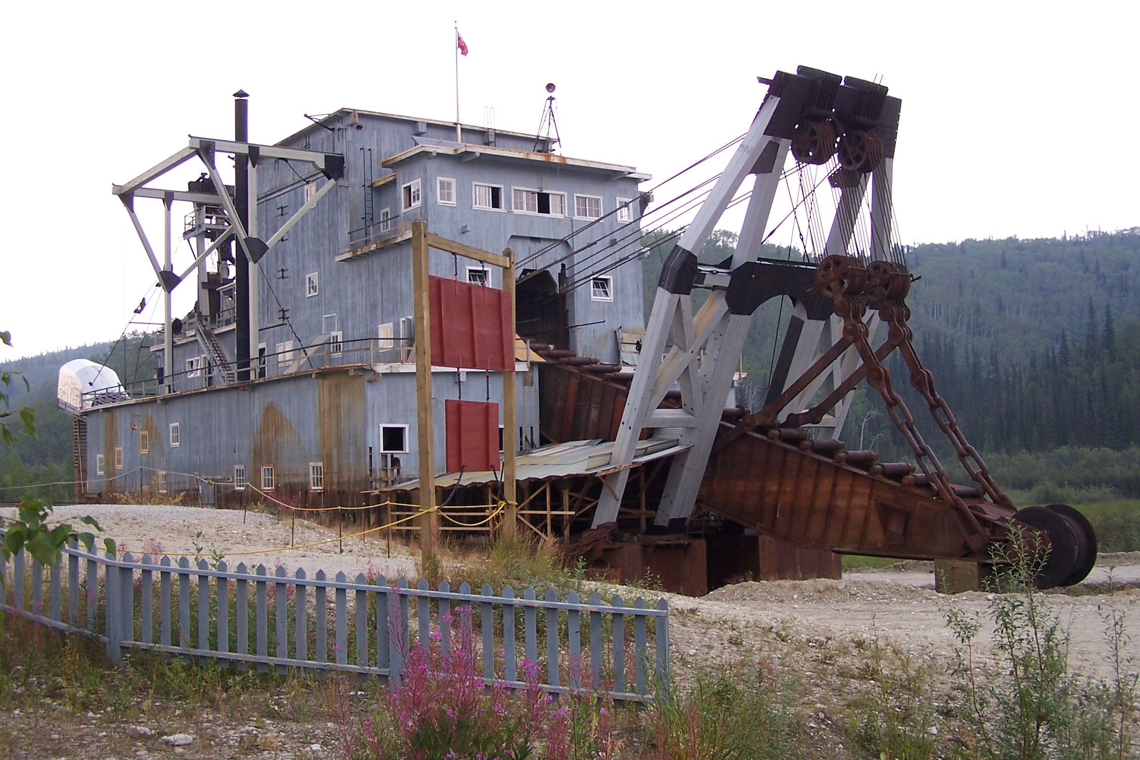 Dredge No  4 - Wikipedia