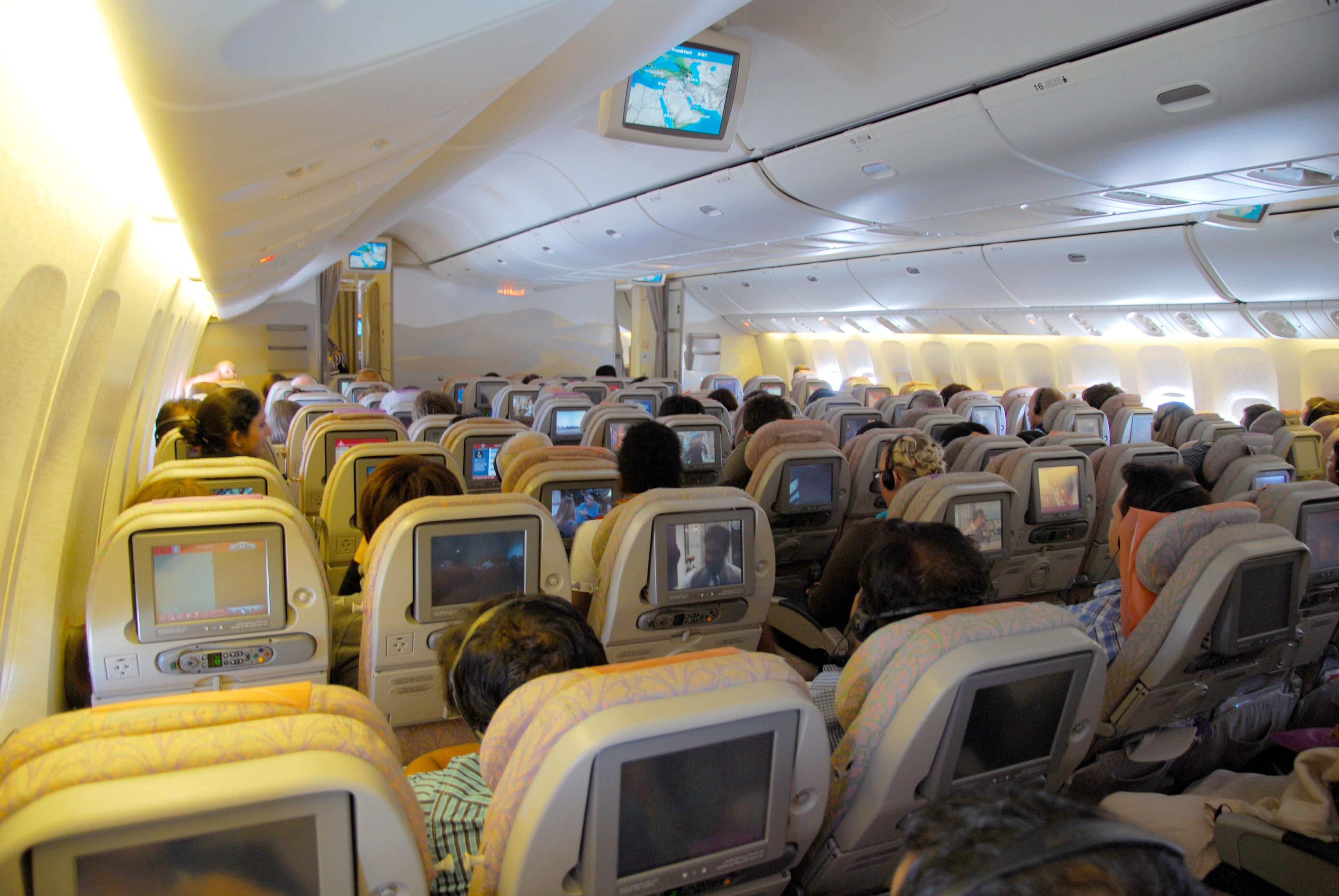 File Emirates 777 Economy Seats Jpg Wikipedia