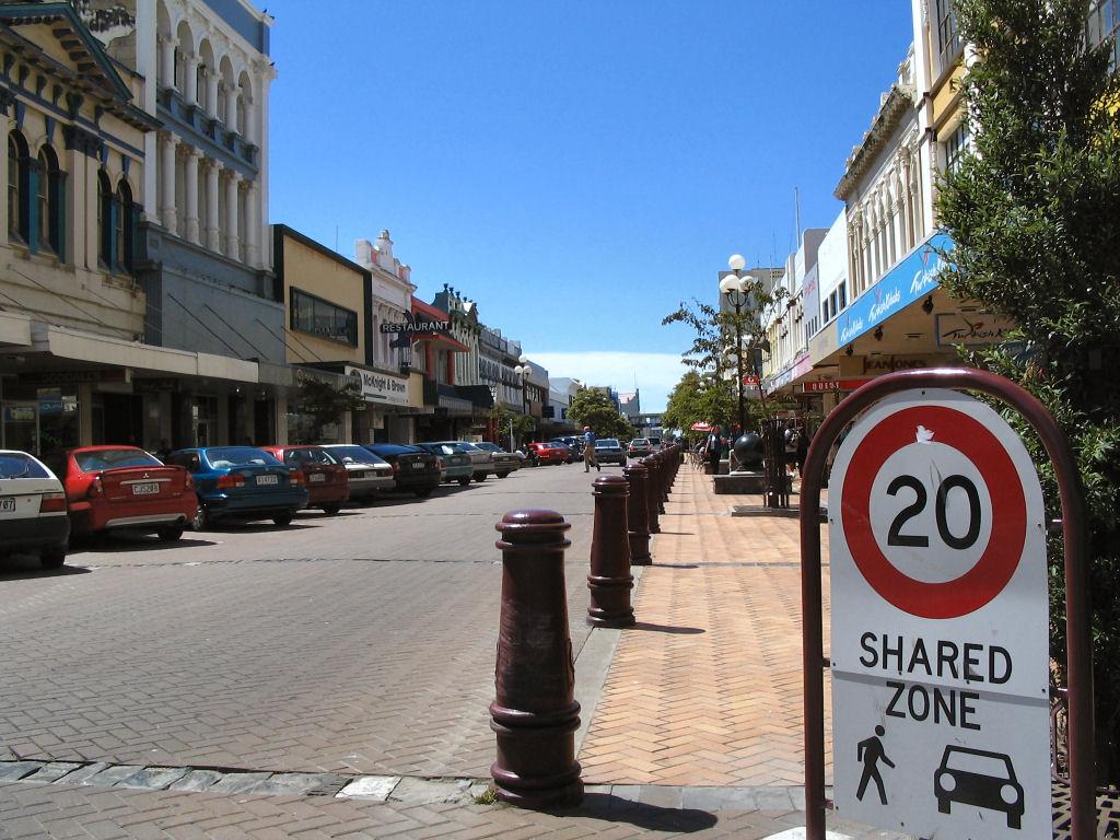 Invercargill New Zealand  City new picture : Esk Street Invercargill NZ Wikimedia Commons