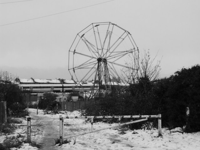 File:Ferris Wheel, Strood - geograph.org.uk - 1628286.jpg