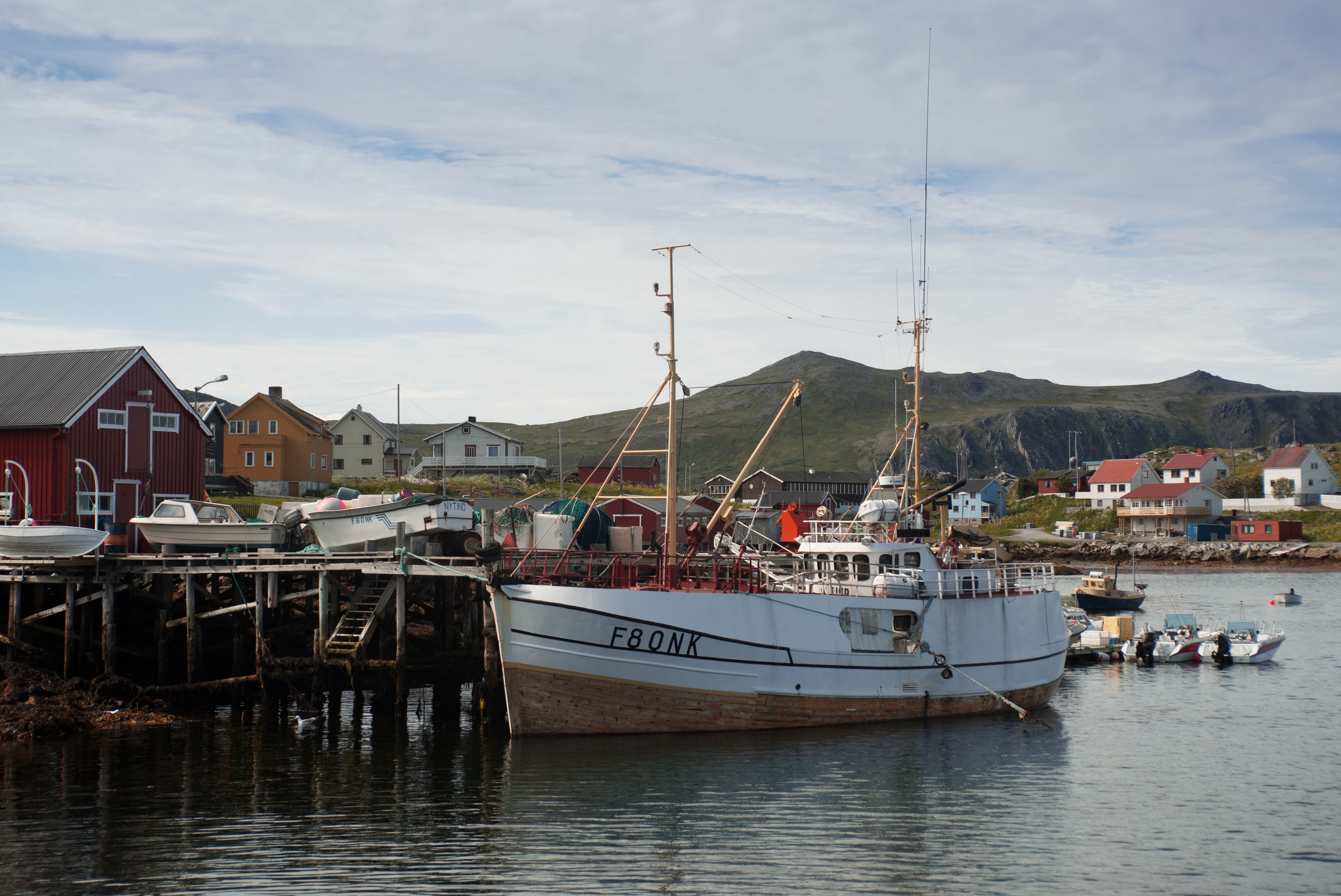 File fishing boat in mager ya norway wikimedia for Fishing in norway