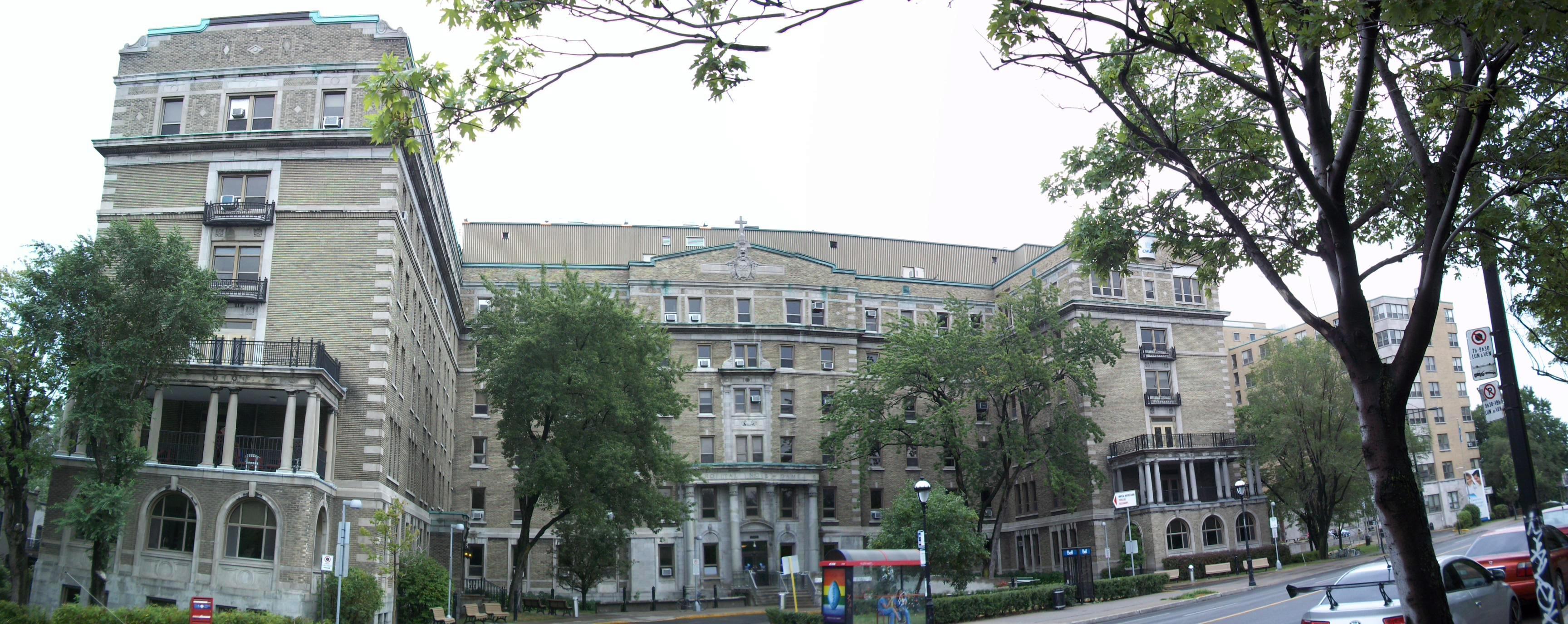 Hotels Montreal Sherbrooke Street East