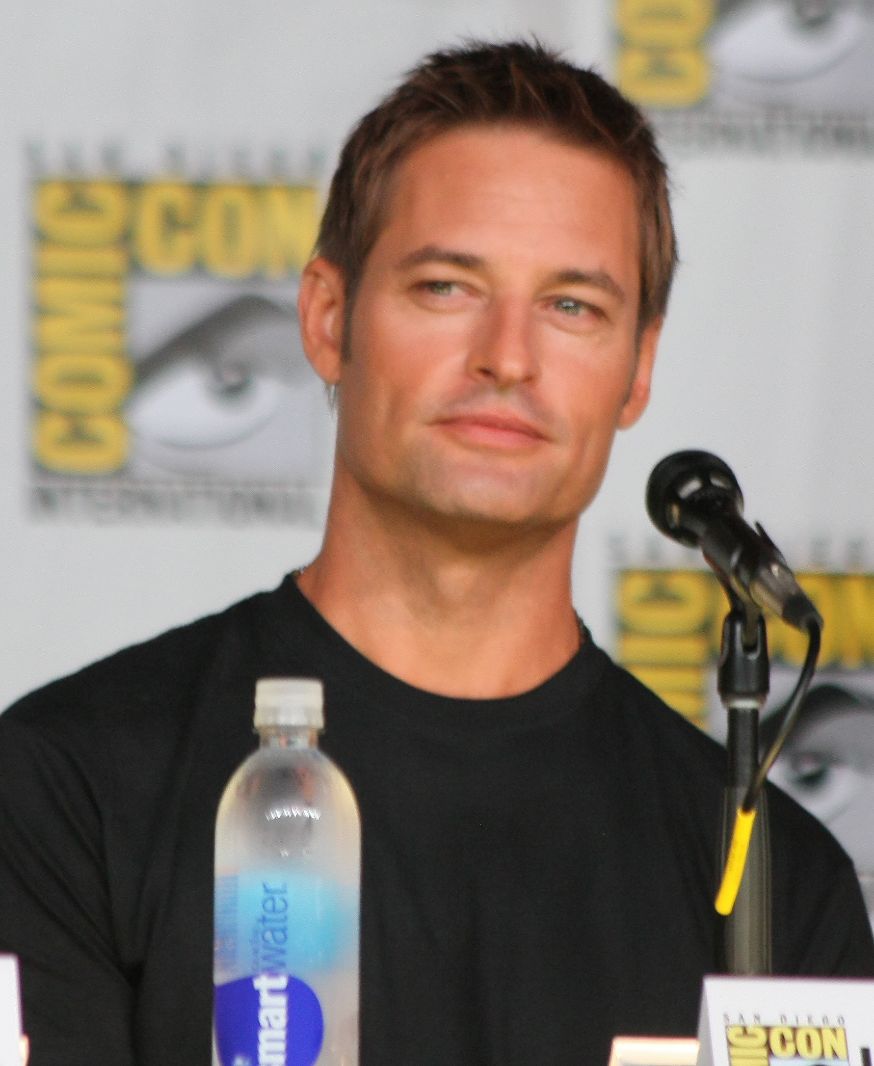 Josh Holloway - Wikipedia, the free encyclopedia