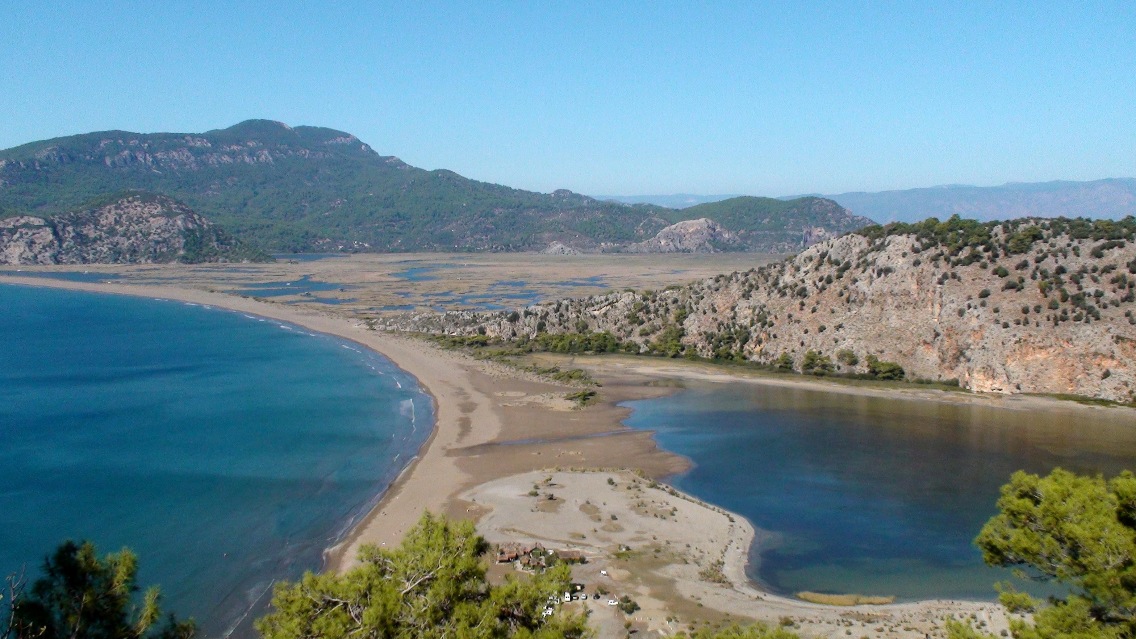 File:Iztuzu strand.JPG - Wikimedia Commons