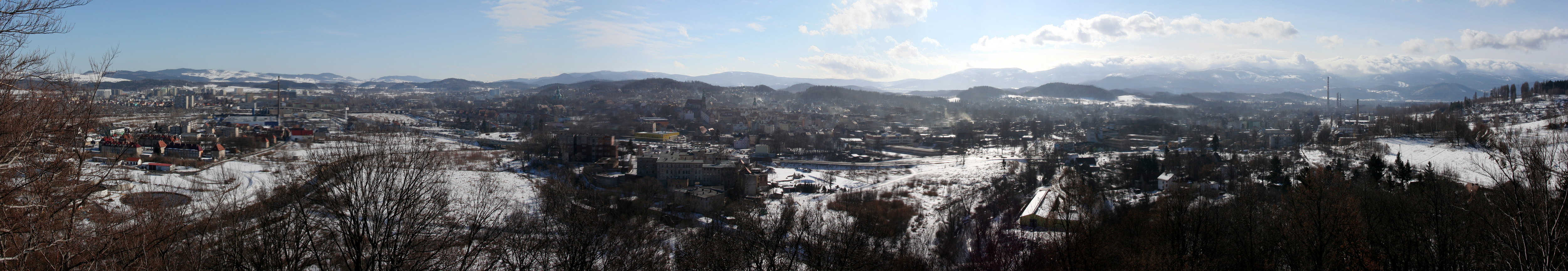 Jelenia Gora panorama winter low res.jpg