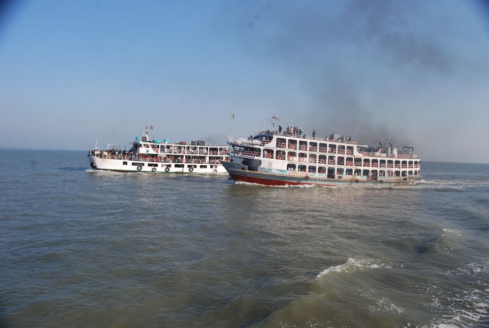 an essay on a journey by boat  · a journey by boat it was durga pooja vacation i had come to my native village with my cousins as we had no work there, we found the village life very.
