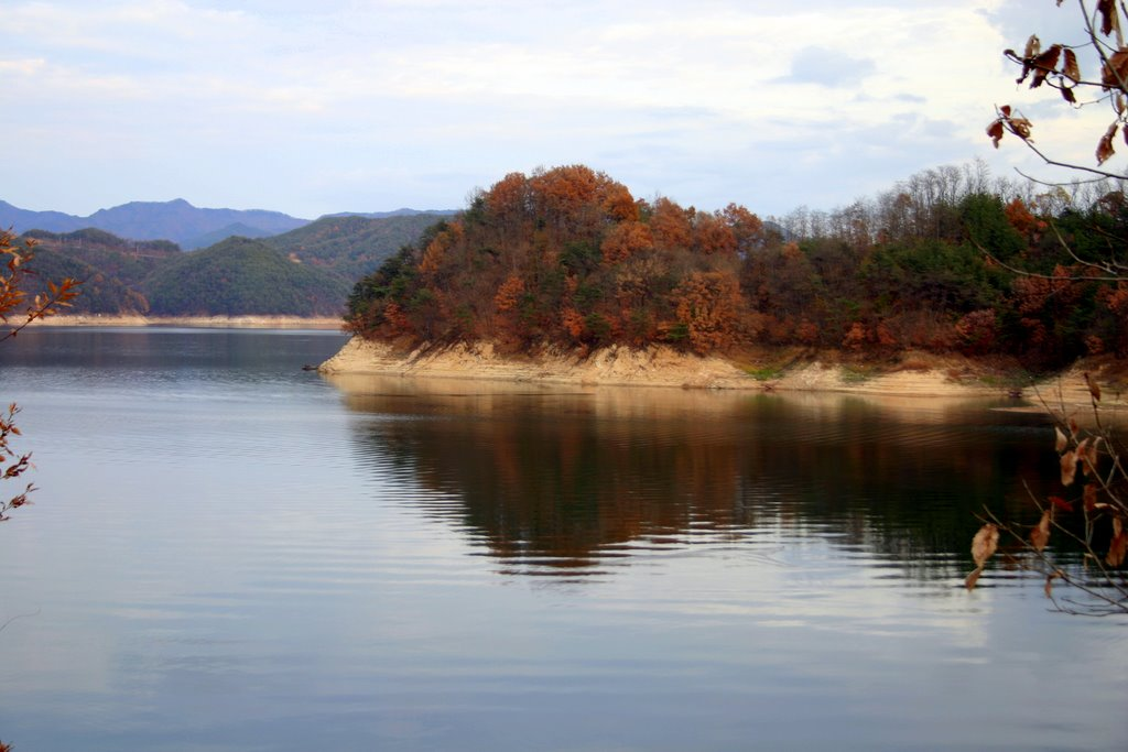 파일:Korea-Andong-Andong Lake in autumn-01.jpg - 위키백과 ...