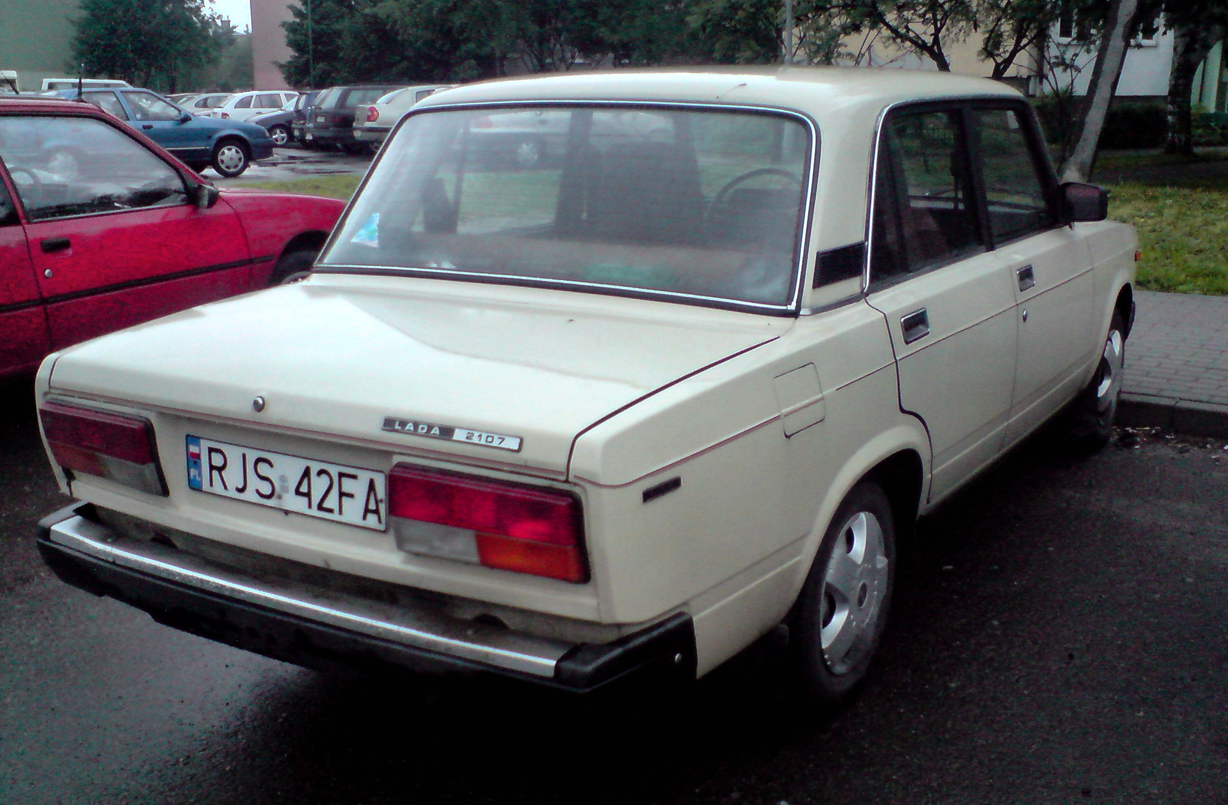 File:Lada 2107 jaslo.jpg - Wikipedia, the free encyclopedia