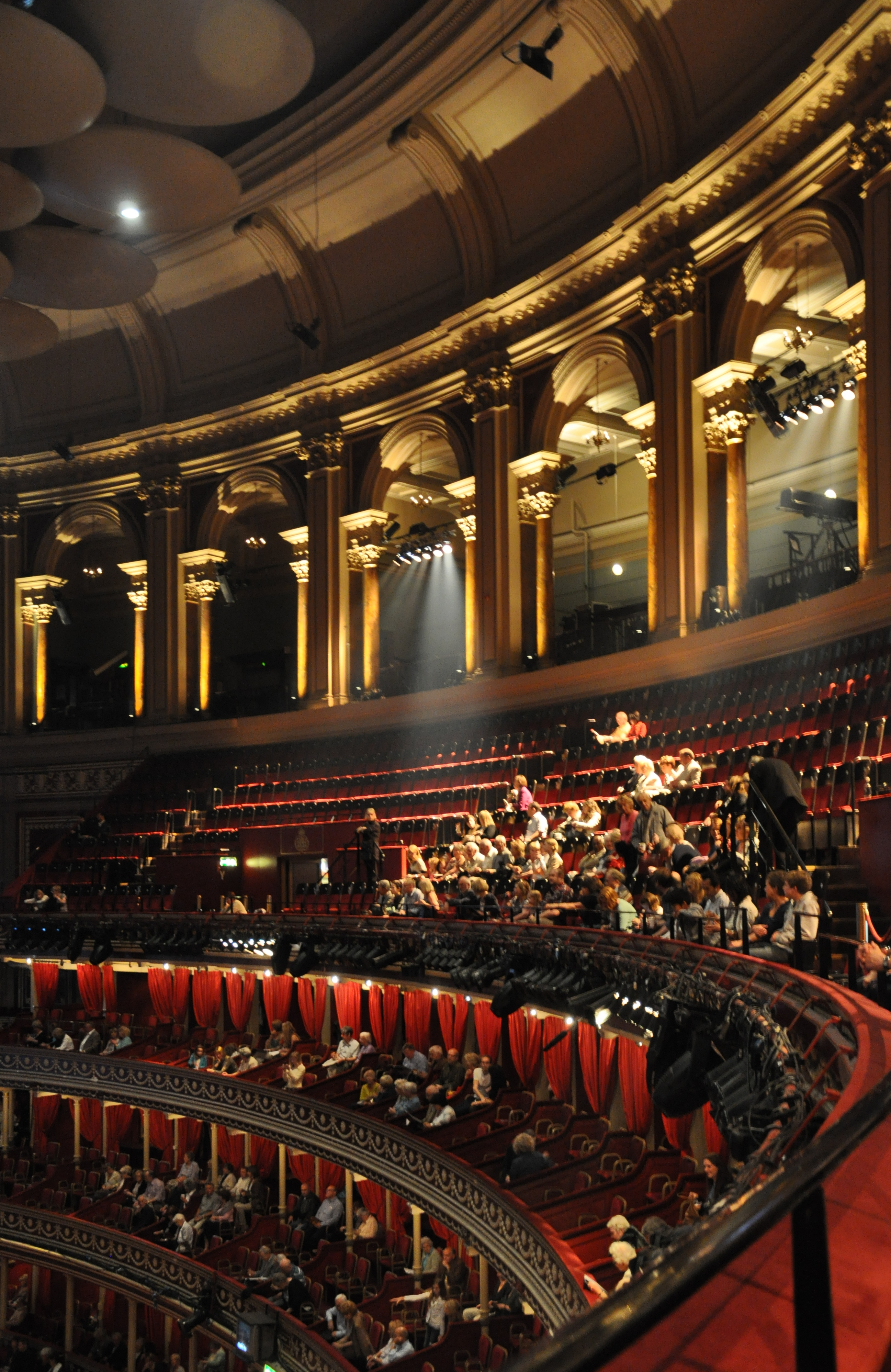 Royal albert hall interior images for Hall interior images