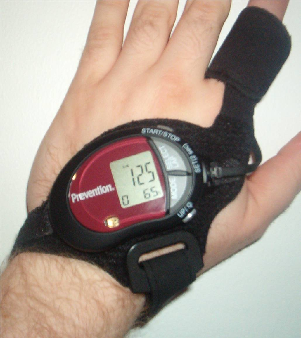 blood pressure monitoring device