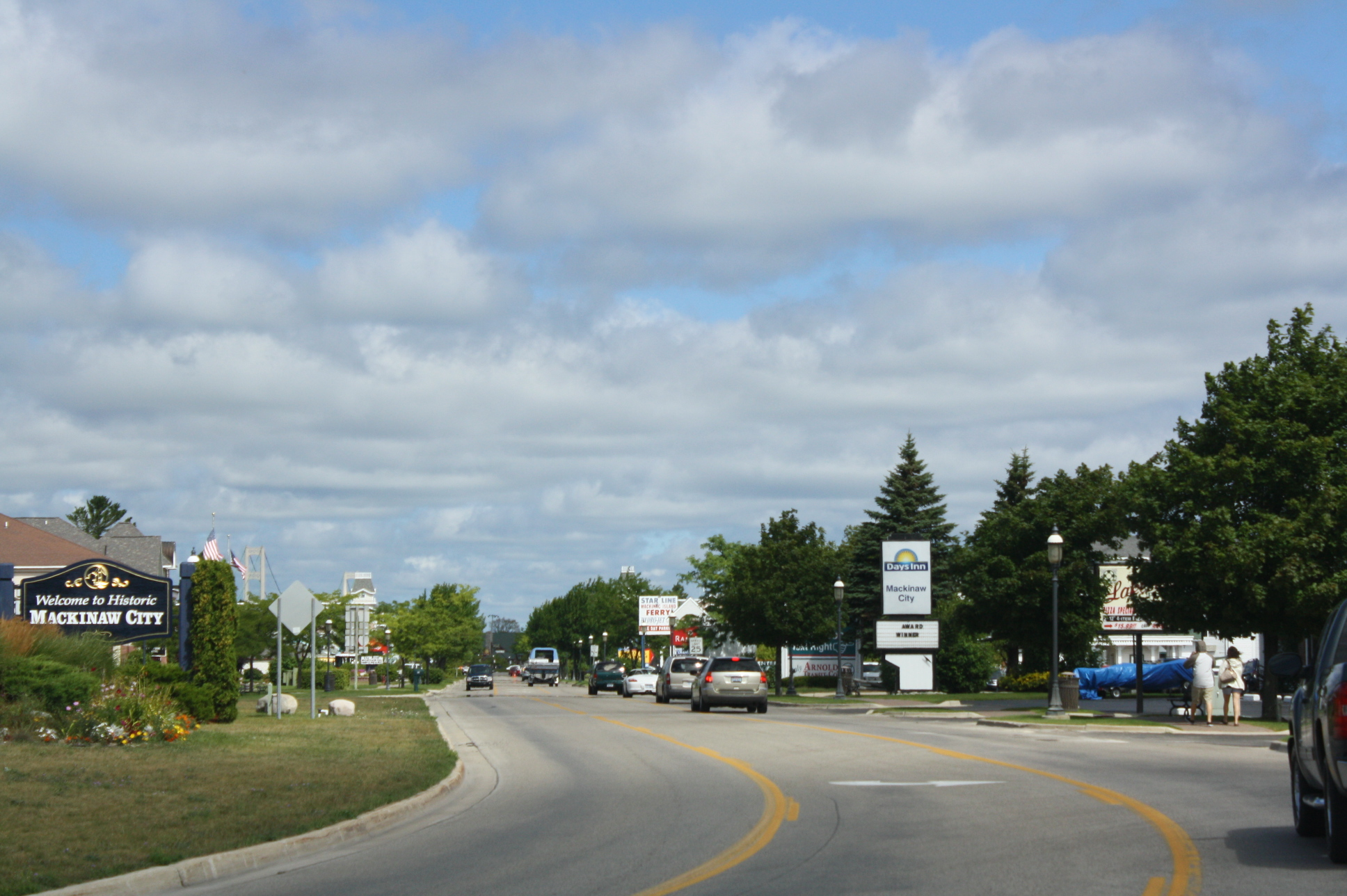 Mackinaw City Michigan Hotel District