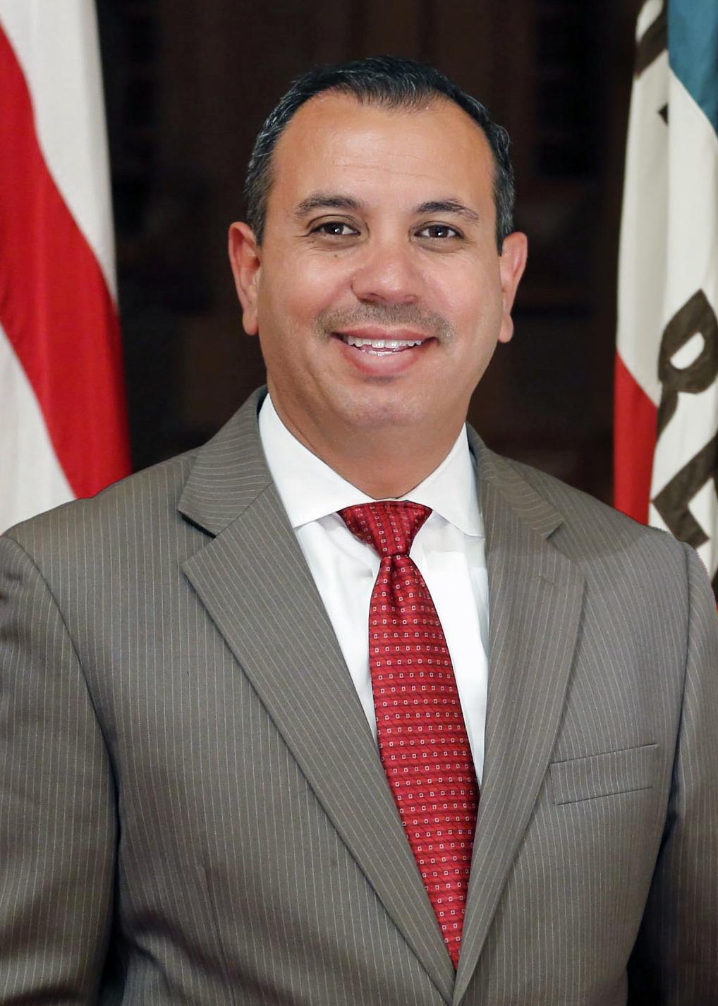 Tony Mendoza (politician) American politician