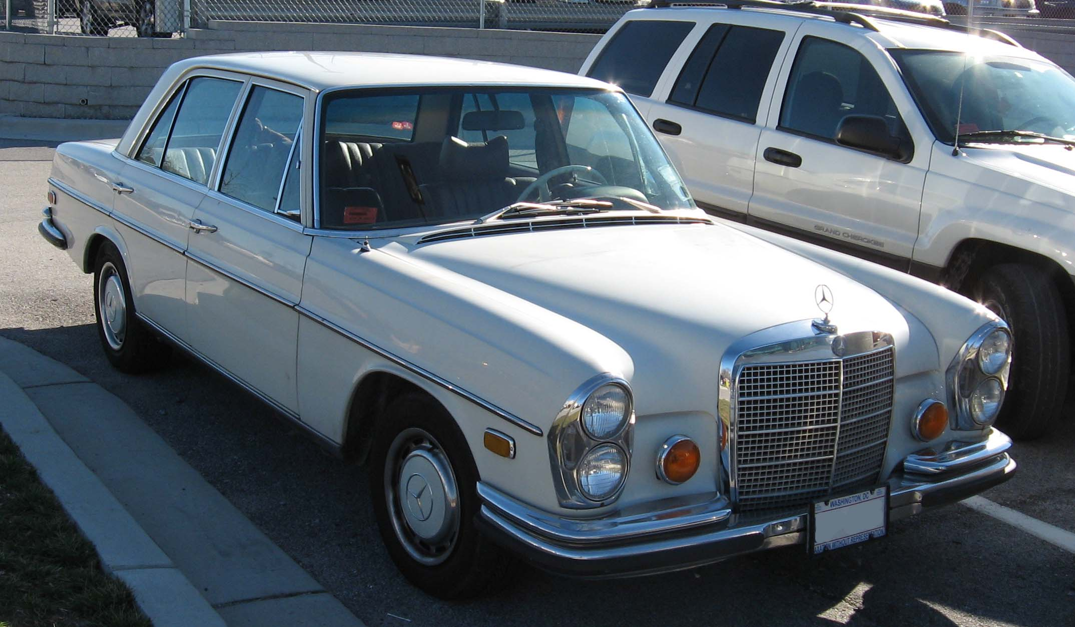 1970 Mercedes Benz Fuse Box Electrical Wiring Diagram House 2001 File 280se Wikimedia Commons Rh Org 2000 S500 100a S430 Chart