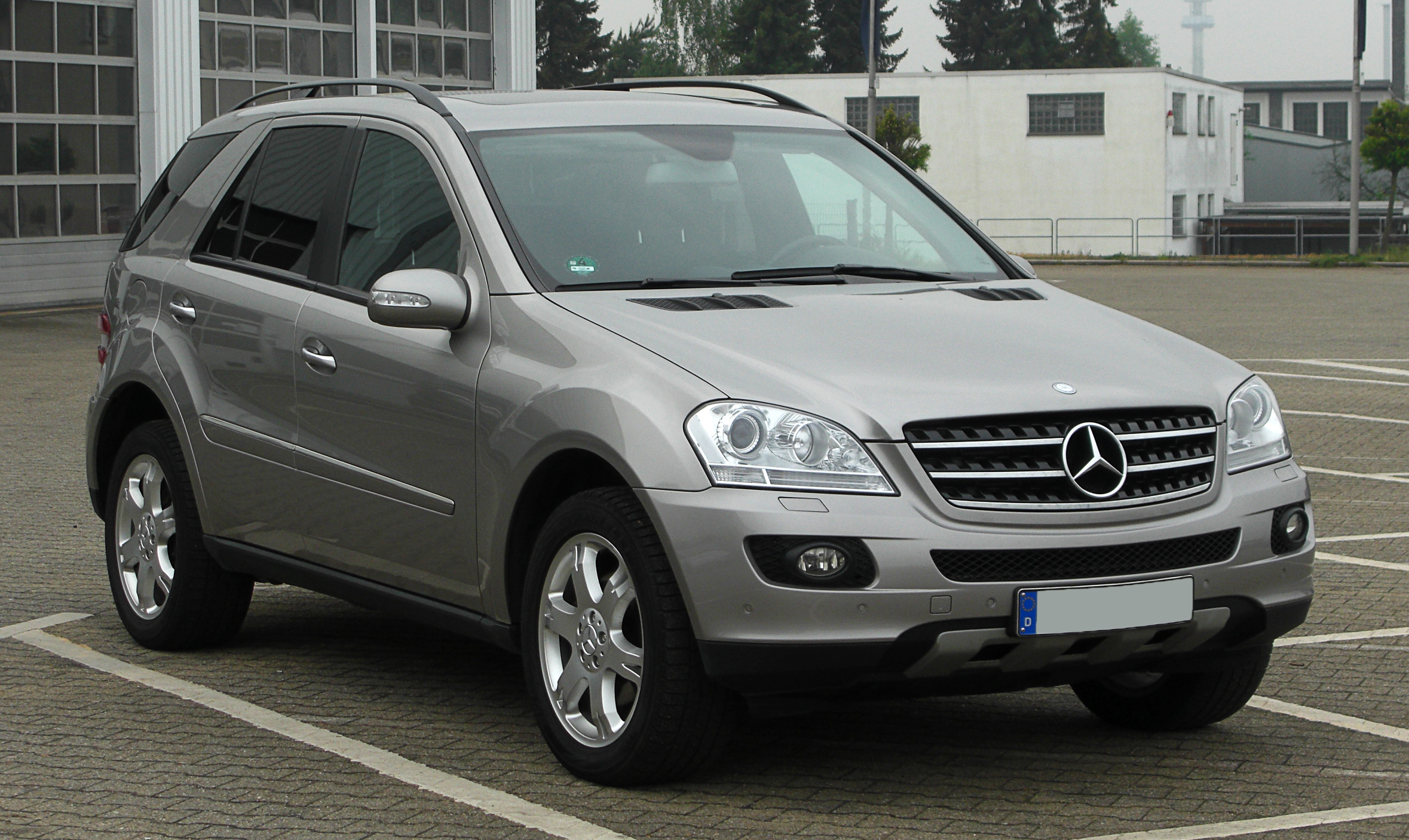 file mercedes benz ml 320 cdi 4matic w 164 frontansicht 27 april 2011 wikipedia. Black Bedroom Furniture Sets. Home Design Ideas
